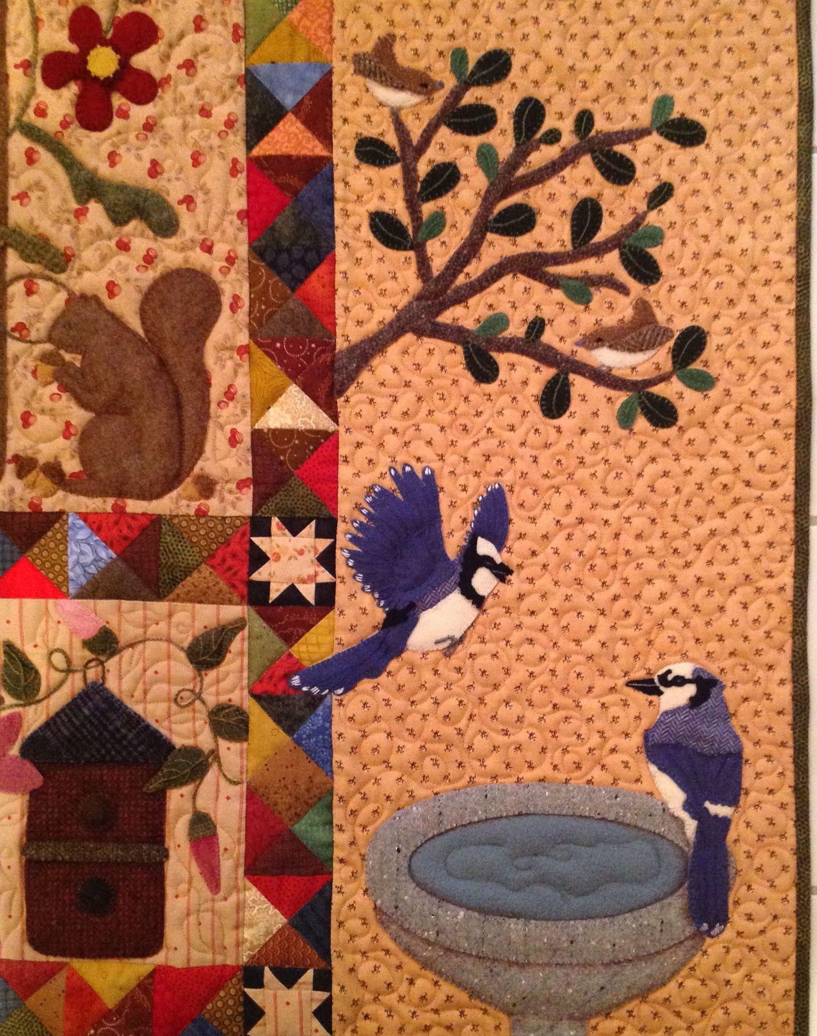 Close Up Of The Adaptation Of Primitive Gatherings Pattern A Primitive Garden By Lisa Bongean Quilt By Rhonda Dort Flores Frutas