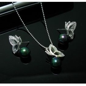 Tiffany Sets Tiffany Green Pearl Butterfly Set...