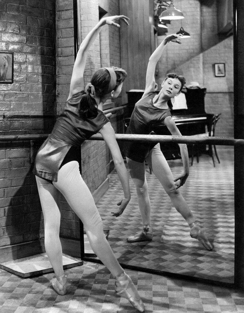 одри хепберн танцует фото двух часов дня