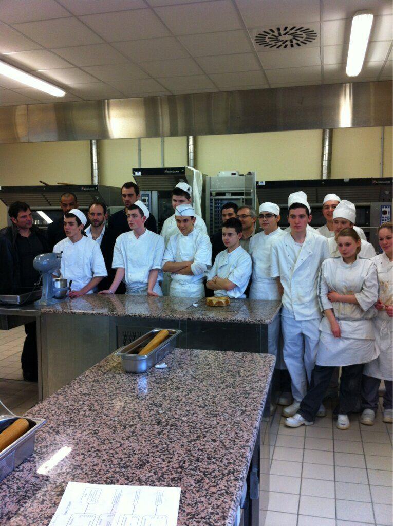 ETAPE 1 - Chartres 13/14 février 2013    De futurs pâtissiers à Castres, Agen et Toulouse où nos Ambassadeurs iront s'approvisionner? Pourquoi pas...