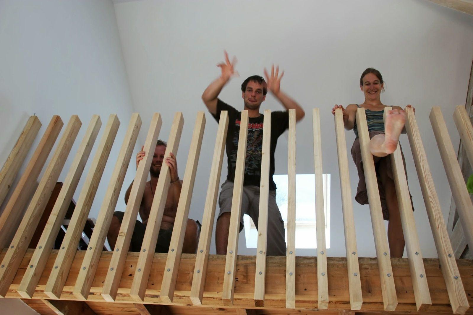 week end garde corps en bois d co mezzanine stair. Black Bedroom Furniture Sets. Home Design Ideas