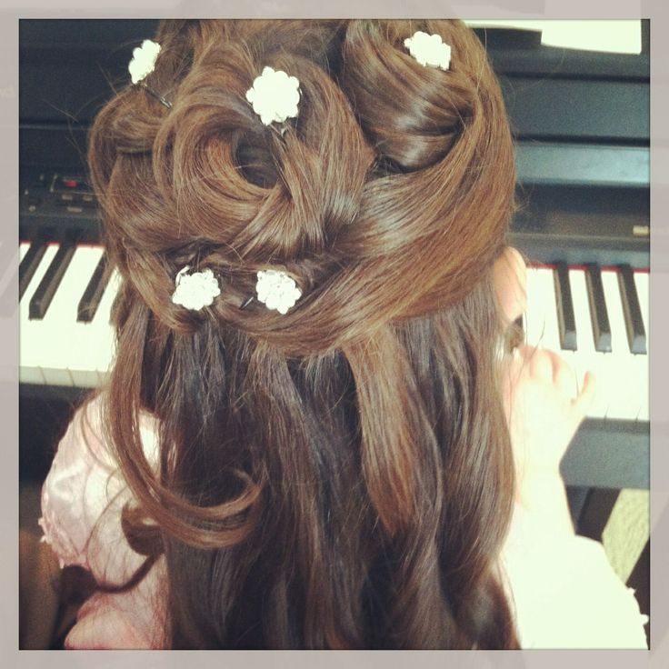 Hairstyles For Communion Upstyles
