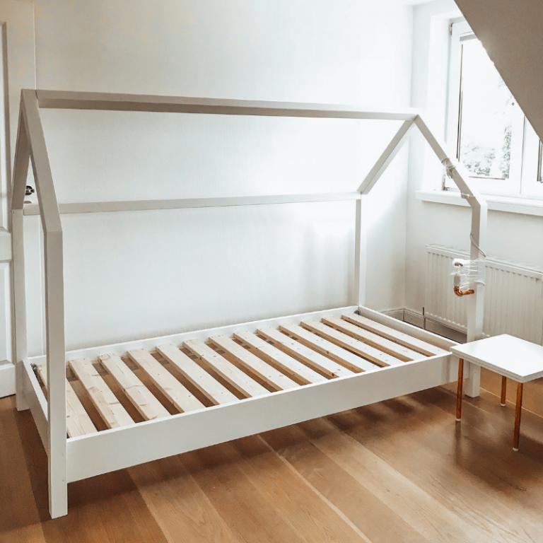 Ein DIY Kinderbett in Hausform selber bauen mit OBI