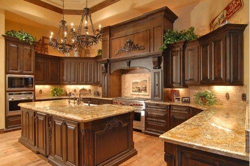 Stunning Traditional kitchen displaying SubZero Wolf Appliances