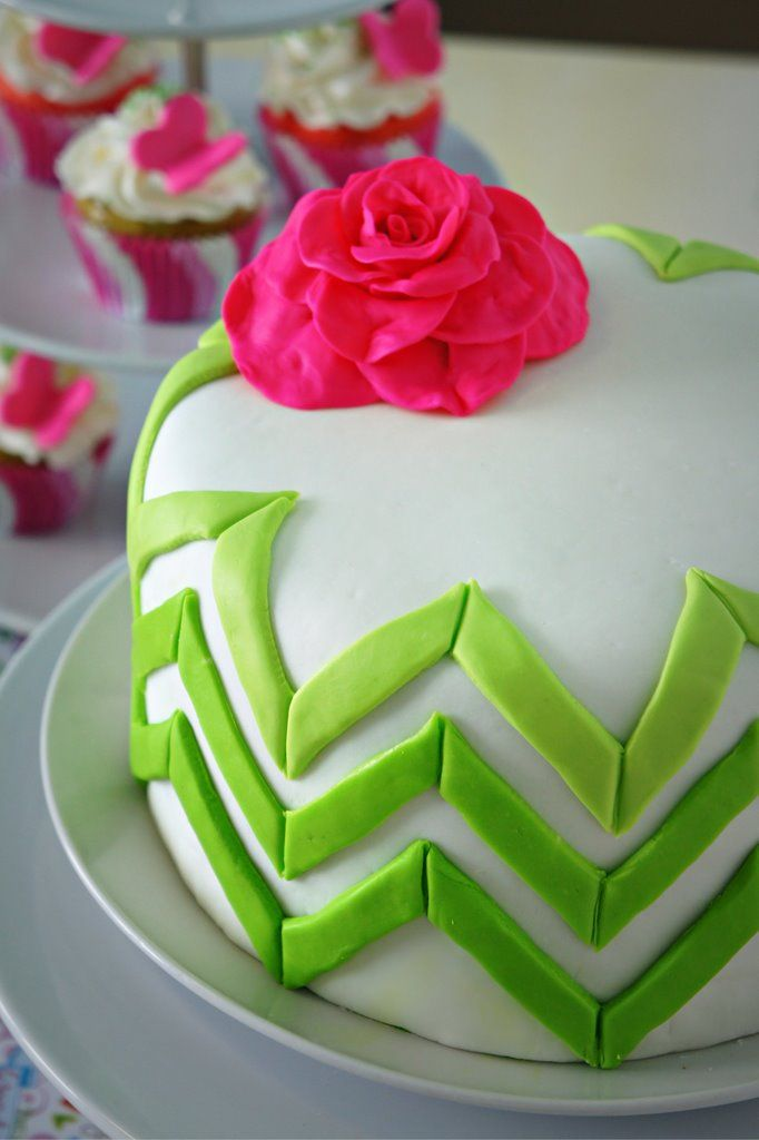 green ombre zig zags with pink flower
