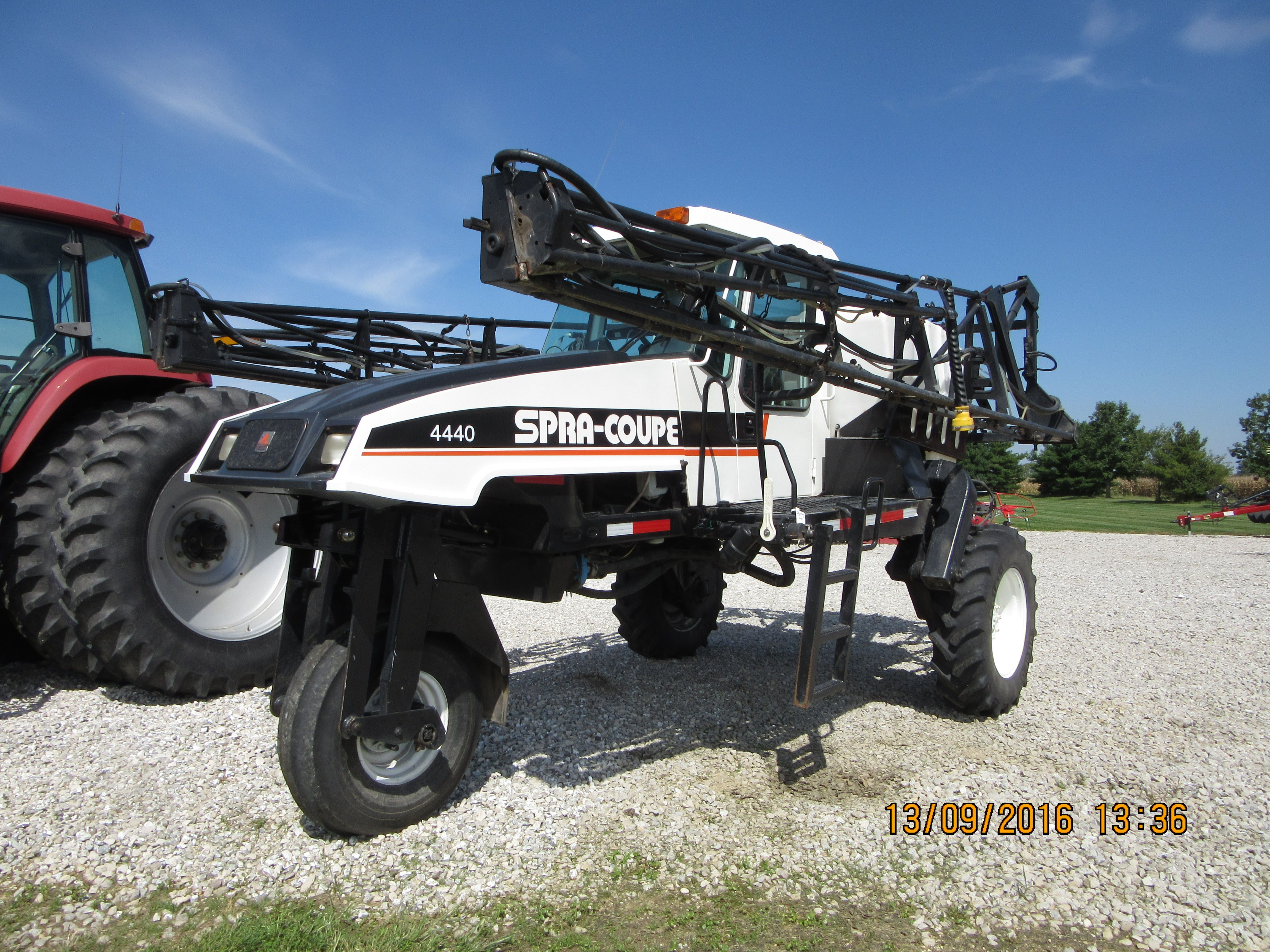 Spra Coupe 4440 sprayer
