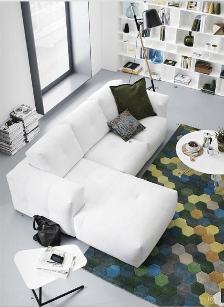 mettre en valeur mon vieux canap avec des plaids coussins luminaires biblioth que salon. Black Bedroom Furniture Sets. Home Design Ideas