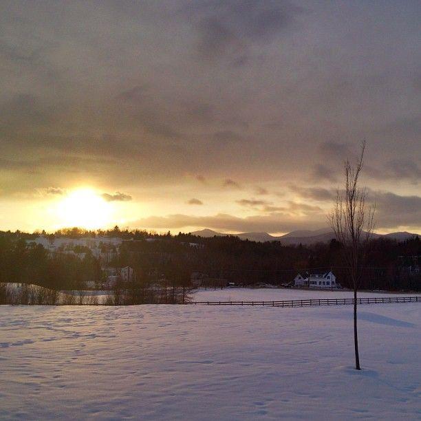 #stowe #vermont #sunset #snow #bearhollow #farm #vista #mountains #scenic #travel #wanderlust #vacation