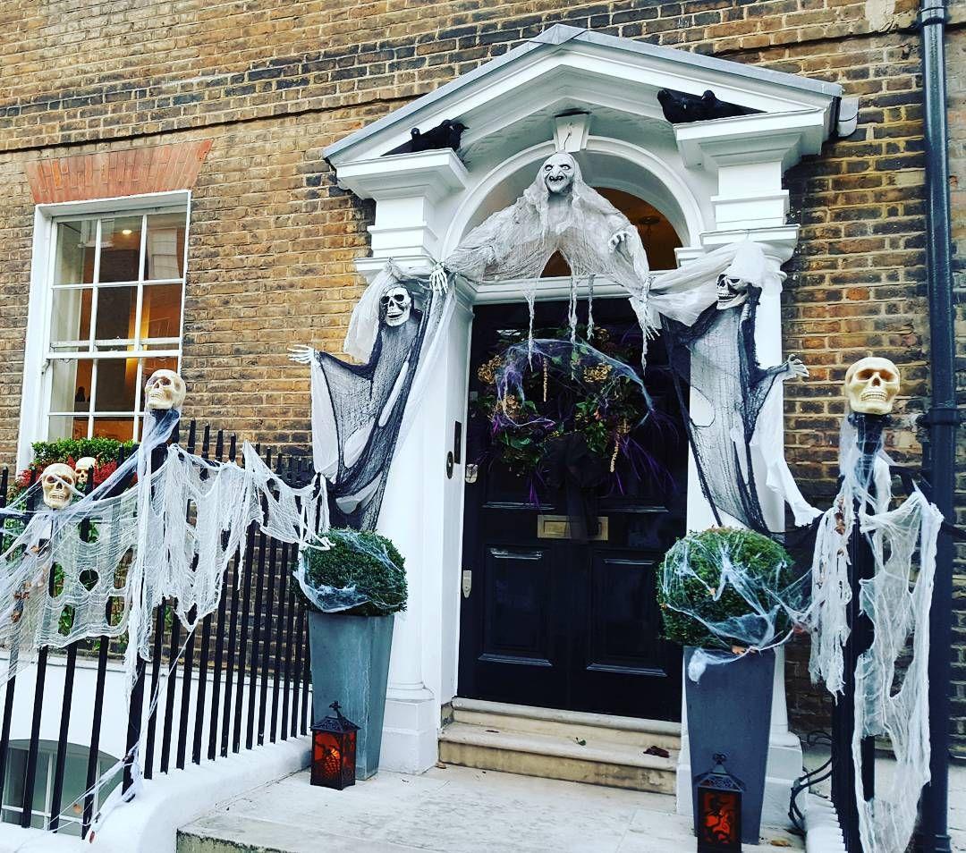 #Halloween spirit in #London