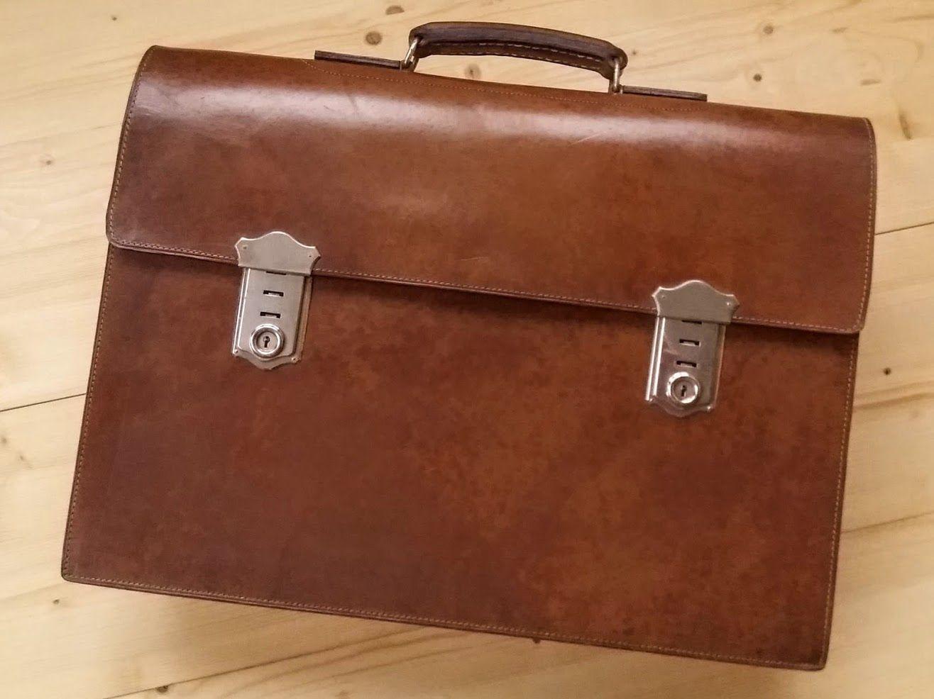 c265ebd26 Stará kožená aktovka uvnitř Sumpfmuster 44 40. léta Použitá, patrně vůbec  nenošená pánská kožená