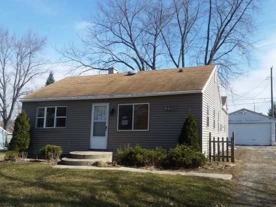 2210 Wentworth Ave Rockford Il 61108 Mls 09173725 Zillow Rockford Zillow Wentworth