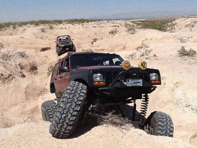 Jeepys Xj Rock Crawler Flexing Jeep Jeep Cherokee Xj Jeep
