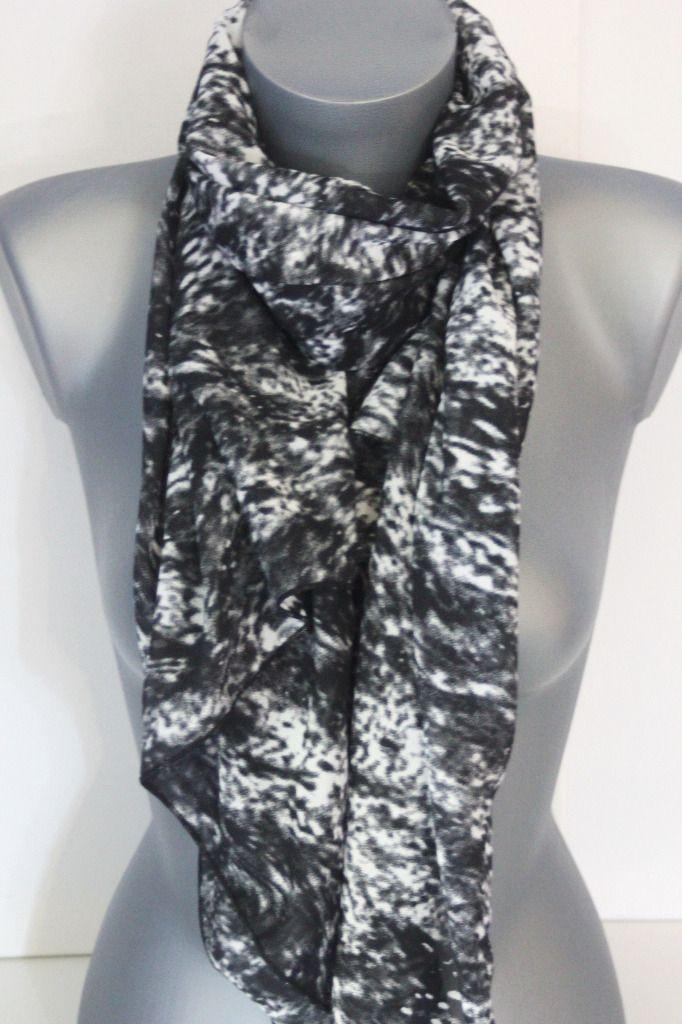Foulard mousseline imprimée noir et blanc - emmafashionstyle.fr ... 188e7b94b9e