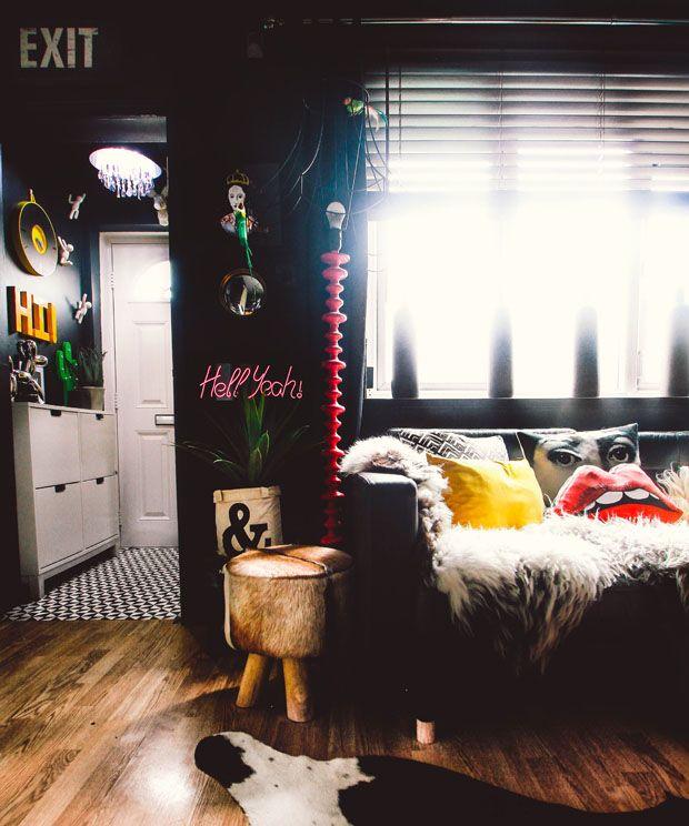 Paredes Escuras Destacam Objetos Coloridos Em Apartamento Irreverente |  Interiors, Flats And Room