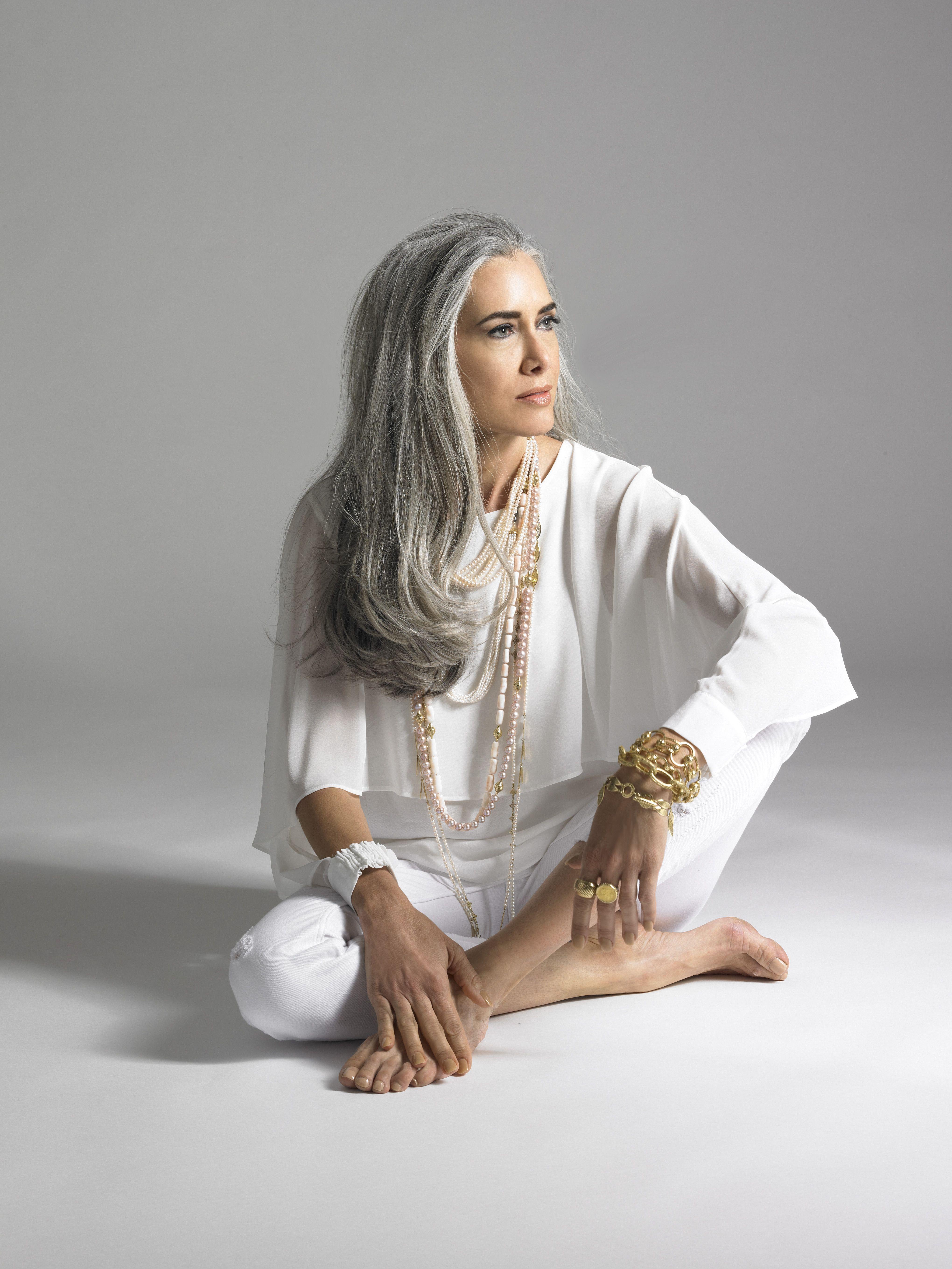 Manon Crespi for Ray Griffiths Jewelry Invecchiare Bene d3139d463f83