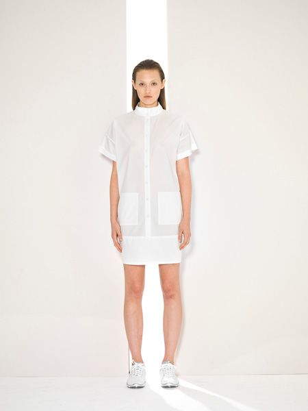 SUZANNE RAE S/S 14 COLLECTION AT NYFW: FUTURISTIC MINIMALISM FOR THE MODERN WOMAN