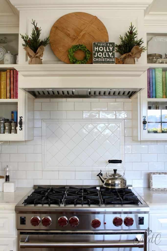 Holiday Home Tour - Christmas Decor in the Kitchen