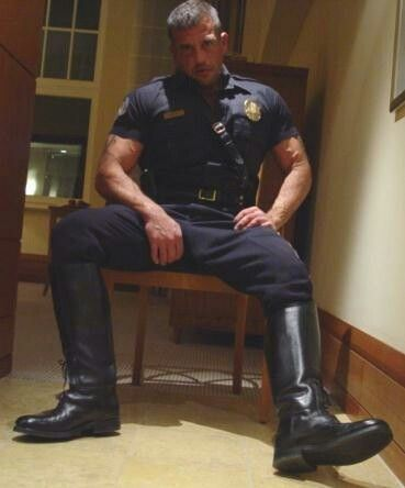 Cops that love gay sex