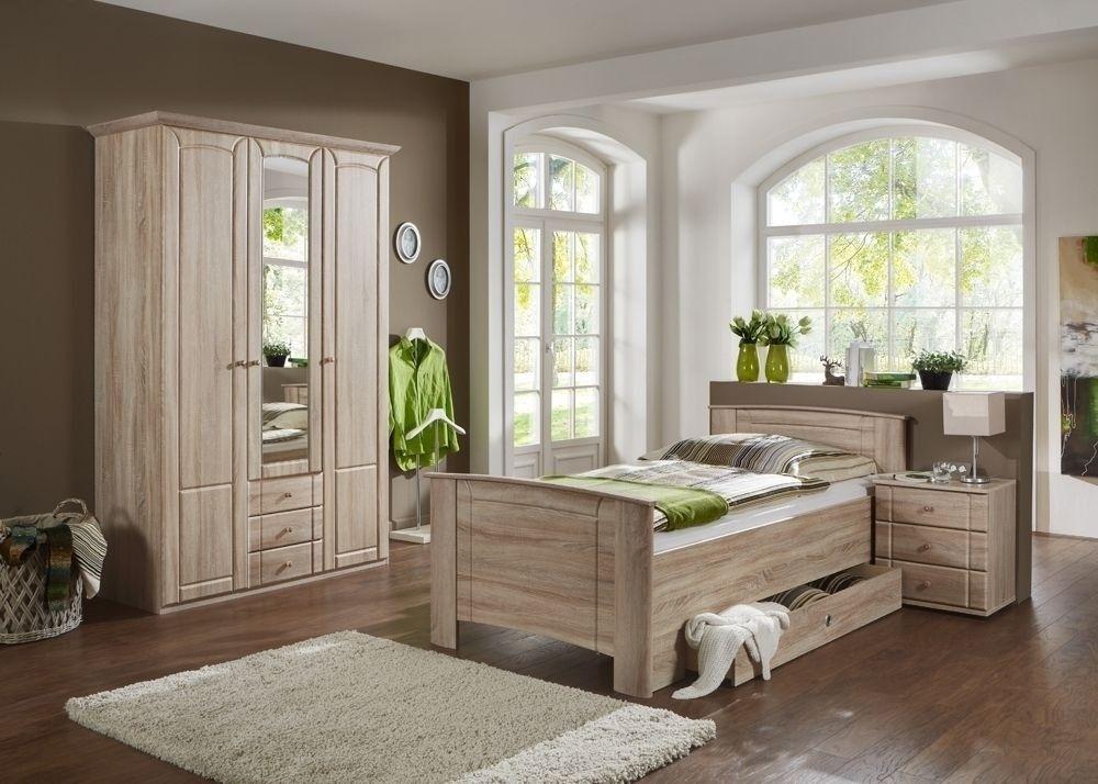 Schlafzimmer Rattan ~ Ein traditionelles schlafzimmer mit zwei pax kleiderschränken in