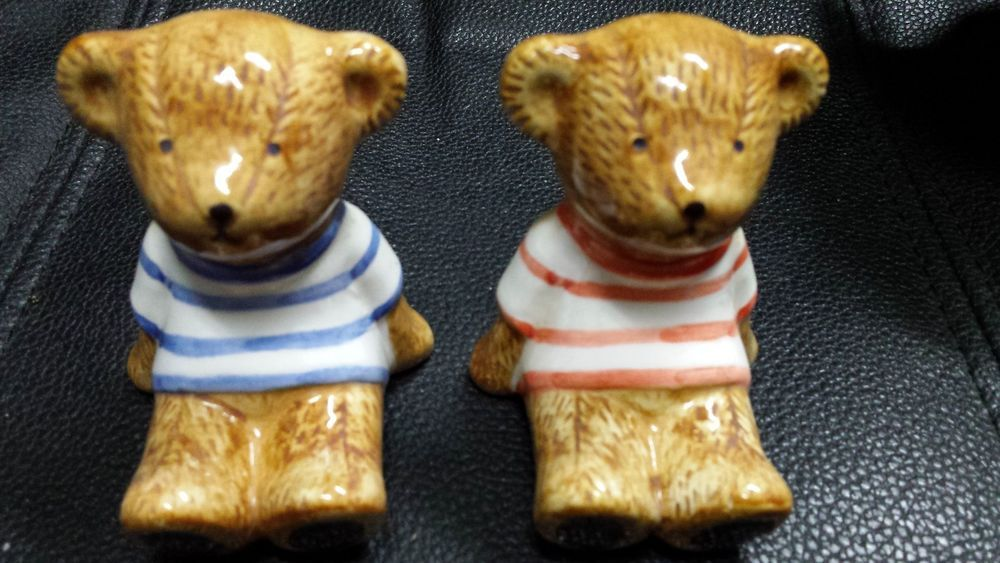 VINTAGE Salt Pepper Shakers Bear Cubs Sitting Stripped Shirts Ceramic Japan