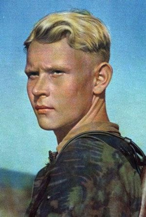 German Soldier From Ww2 With An Undercut C1939 1945 In Peekey