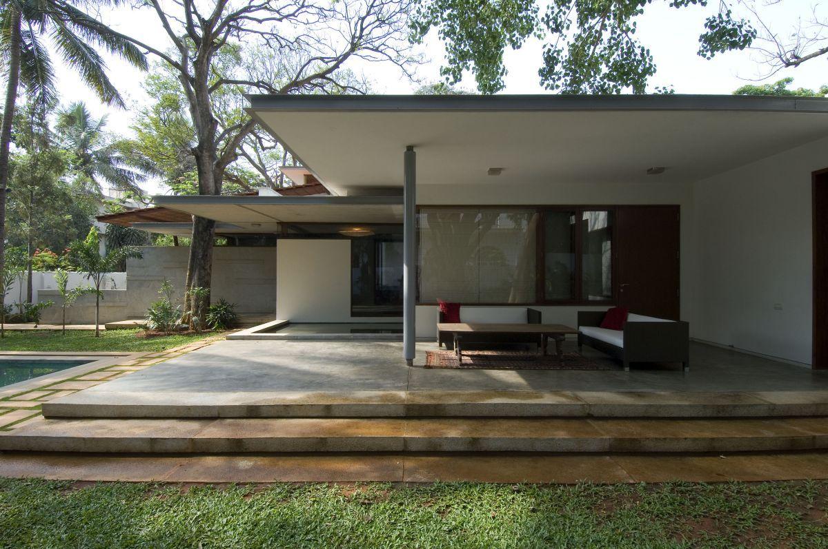 Exterior: Fair Contemporary Front Porch Decoration Using Light ...