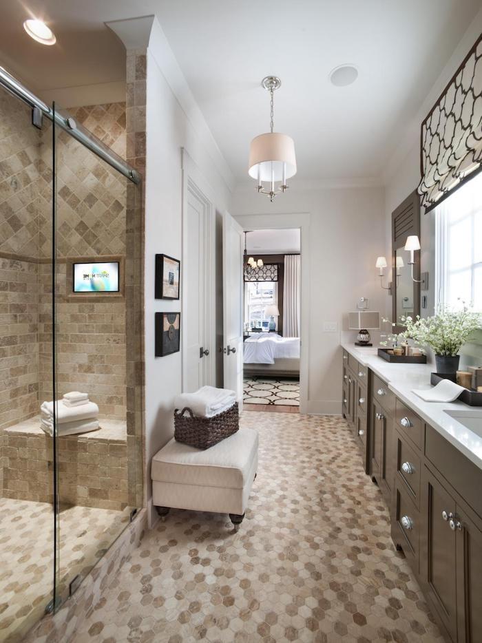 schöne bäder mit mosaikfliesen, große duschkabine mit glastür, bad - glastür für badezimmer