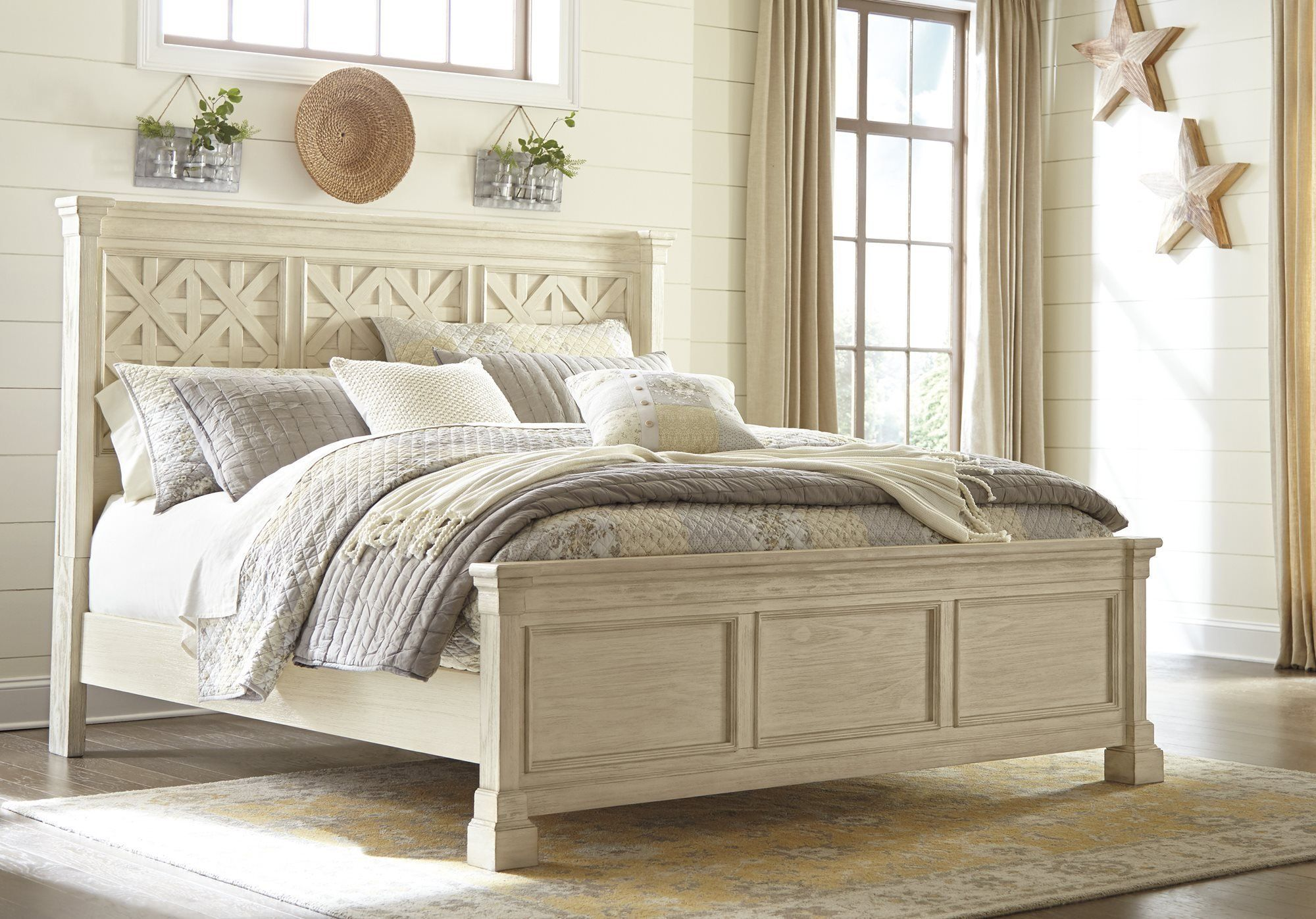 Ashley Bolanburg Queen Panel Bed in Antique White
