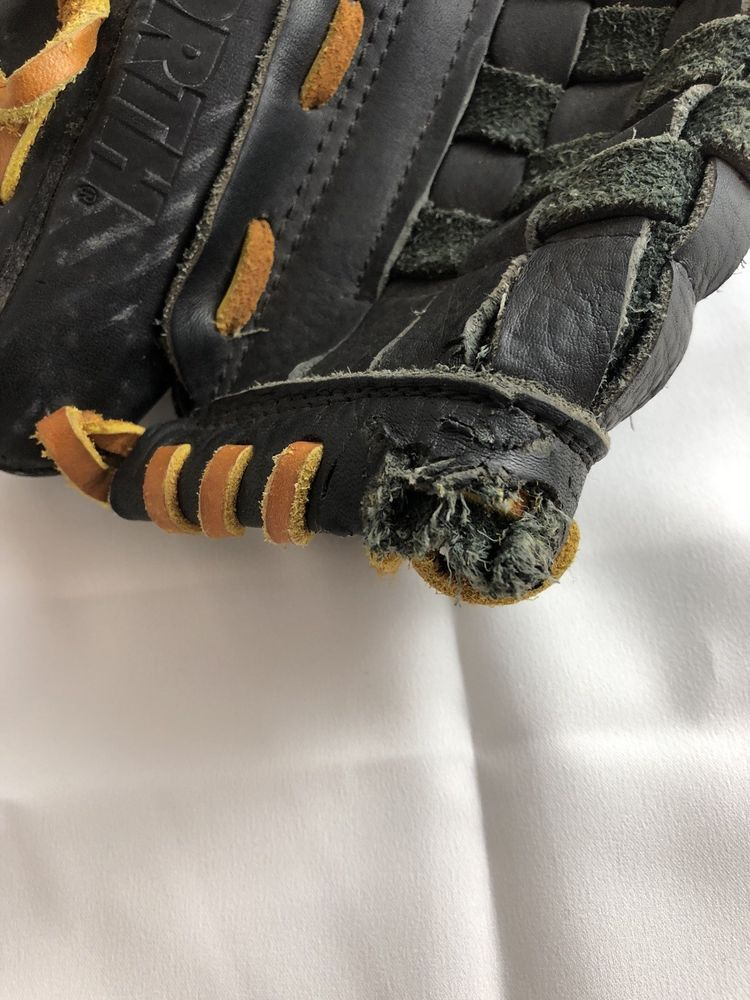 Worth Model Ws130 13 Adult Baseball Glove Right Hand Throw Hole At Top Edge Worth