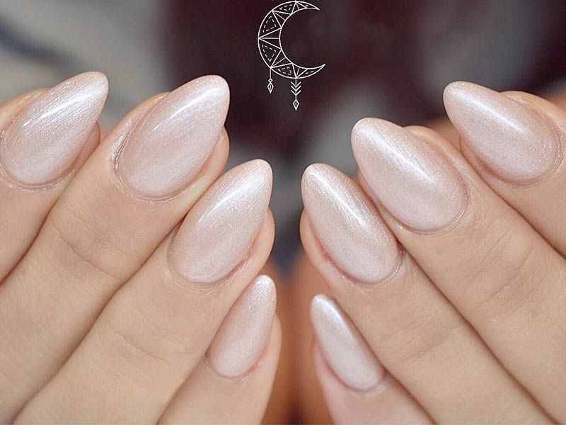 21 Hot Almond Shaped Nails Colors To Get You Inspired Try