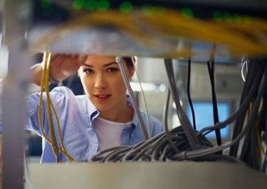 Have You Ever Seen a Female Cable Technician? | Ideas for ...