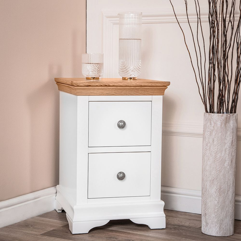 Pin By Chiltern Oak Furniture On Dover White Painted Bedside Tables Dover White White Paints