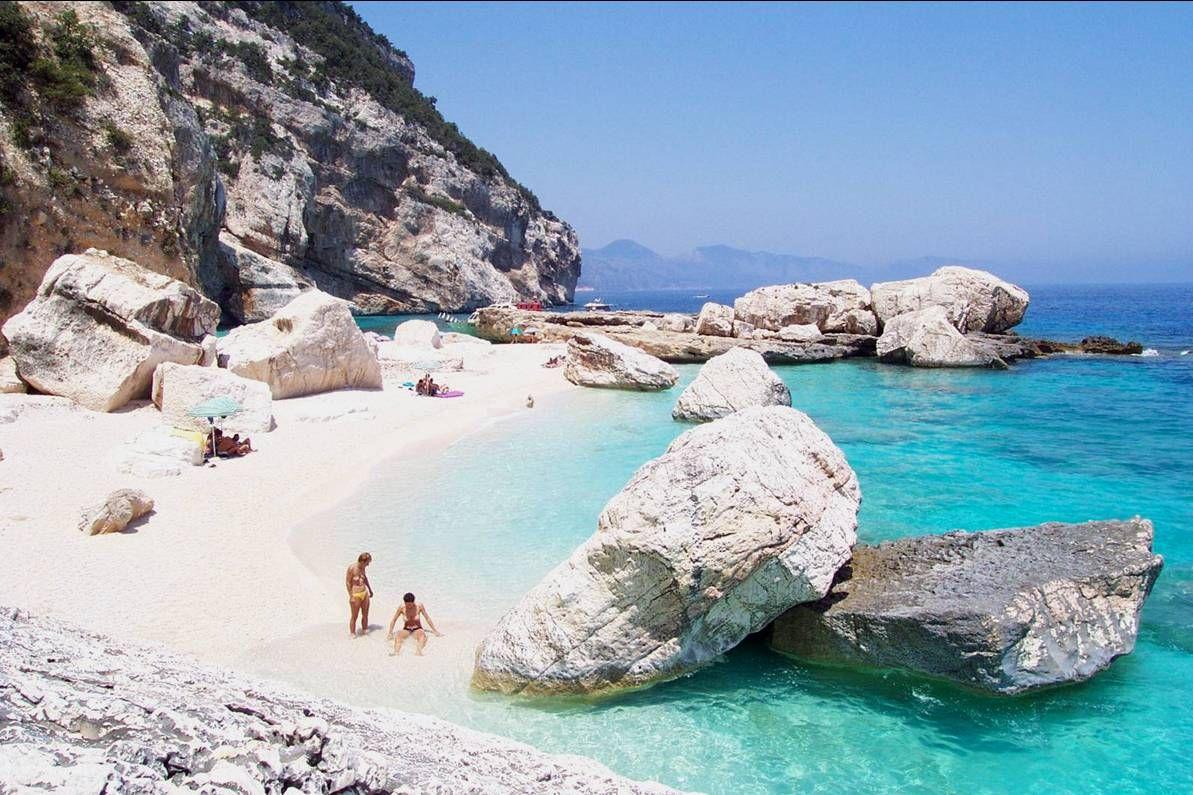 Cala Mariolu La Spiaggia Del Ladro