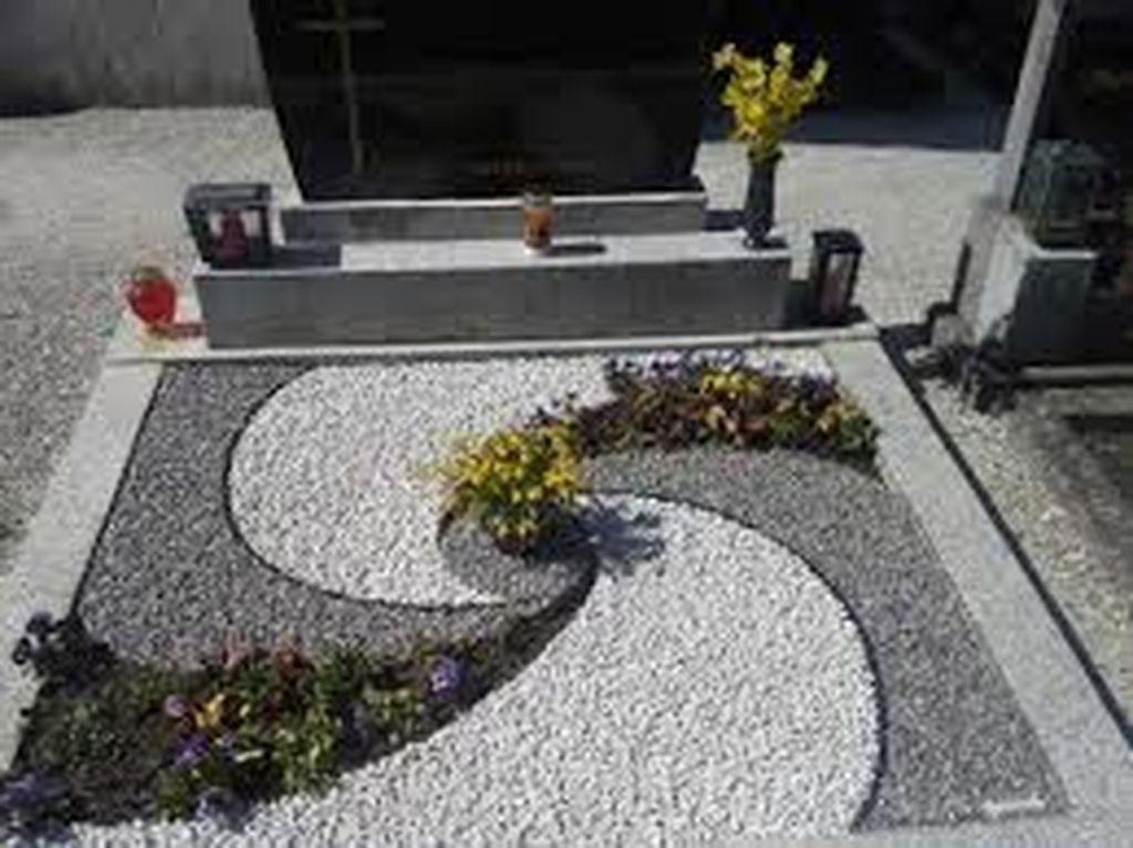 46 Awesome Front Yard Rock Garden Landscaping Ideas #modernfrontyard