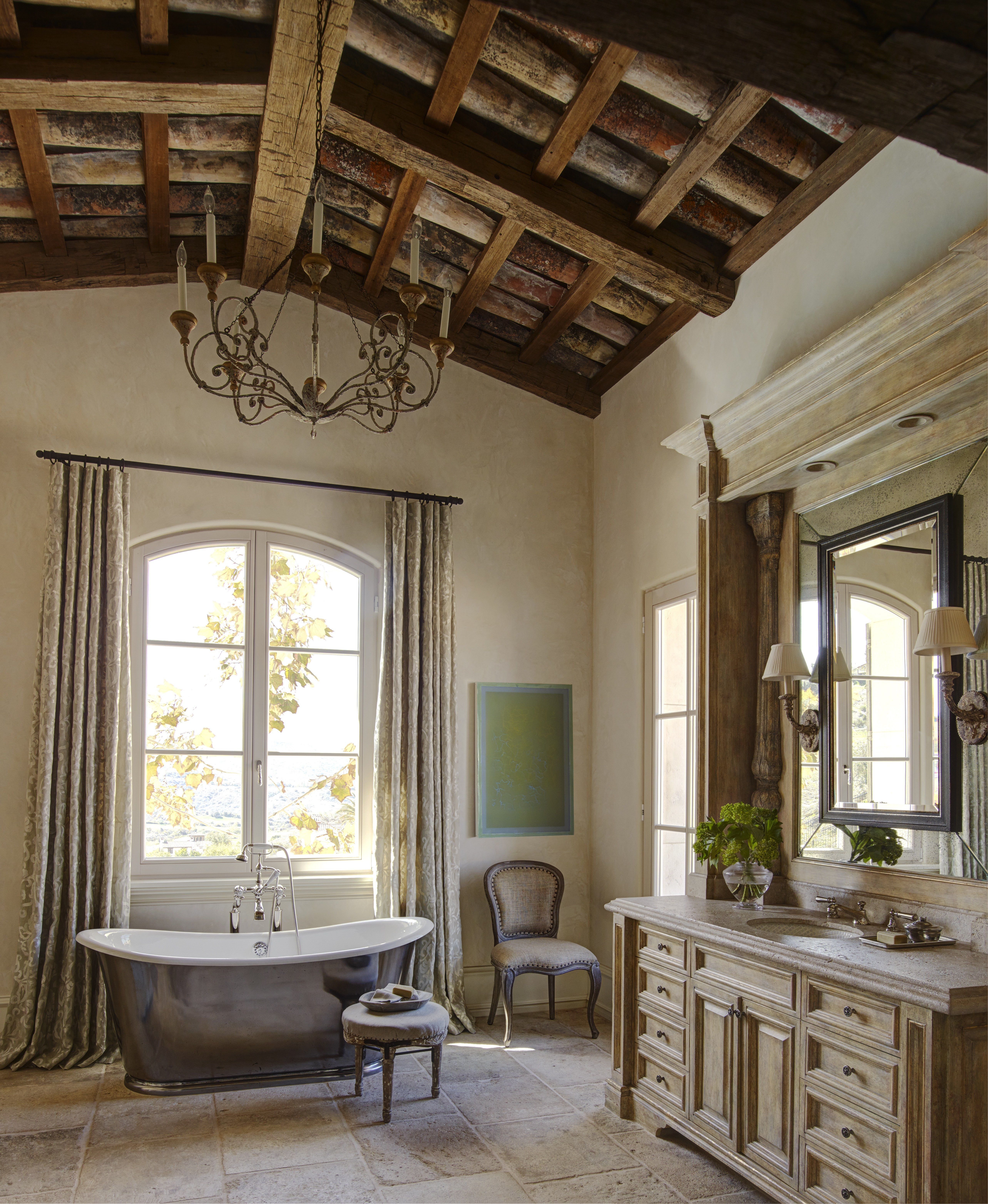 An Antique Style Bath Tub Meets Modern Amenities In This Classic French Provencal Bathroom Top Bathroom Design California Homes Provence Interior