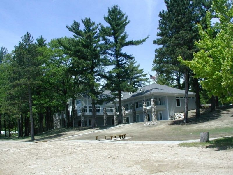 Spider Lake Retreat Traverse City Michigan Lodges Lake Retreat Retreat Vacation