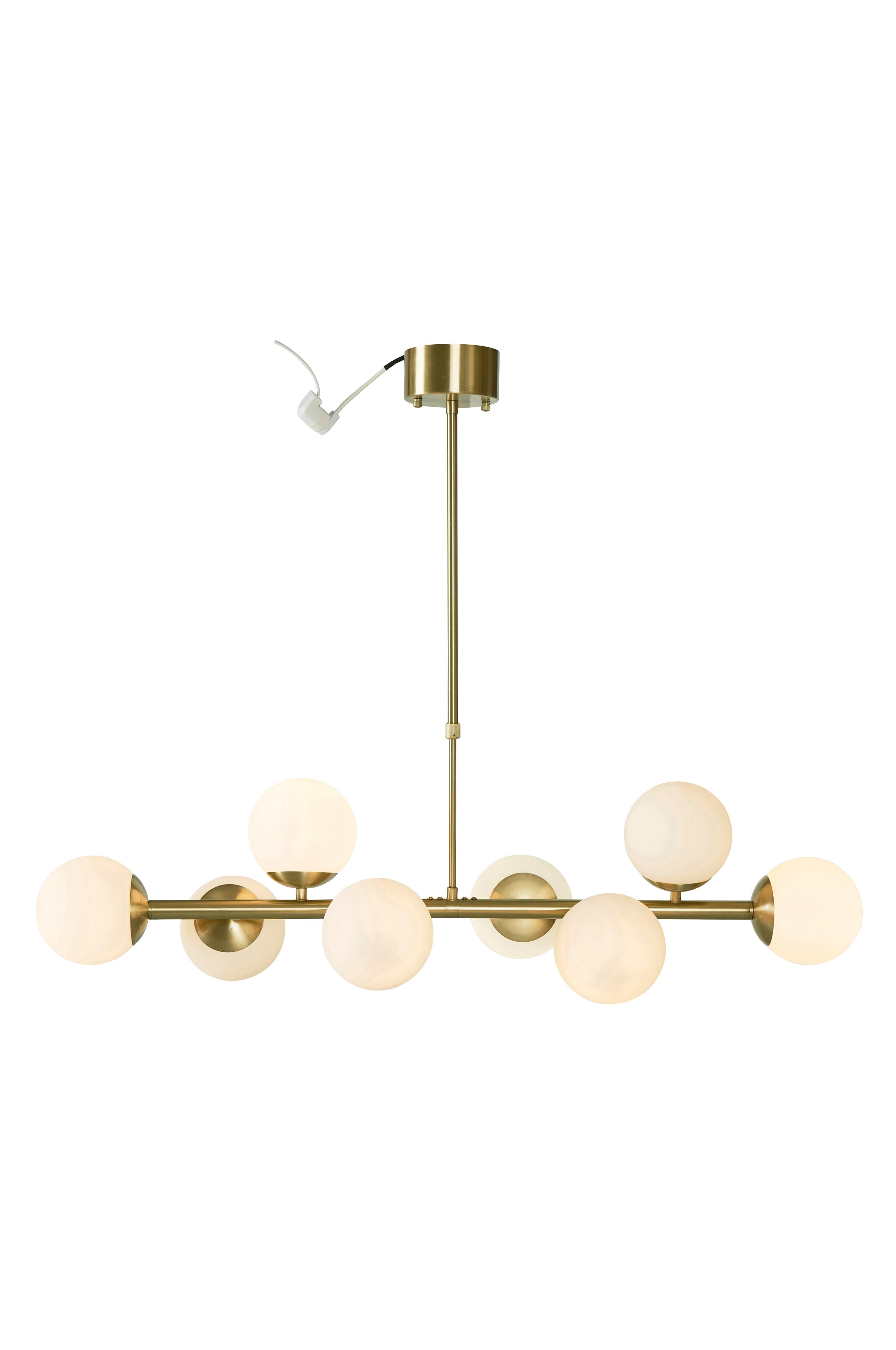 Taklampa I Stilren Modell Av Metall Med Atta Klot Av Fint Opalglas