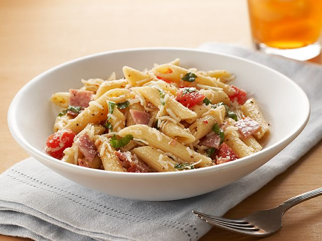 Pizza Pasta Salad has all the flavors you love in one unbelievably easy-to-make dish. How easy ...