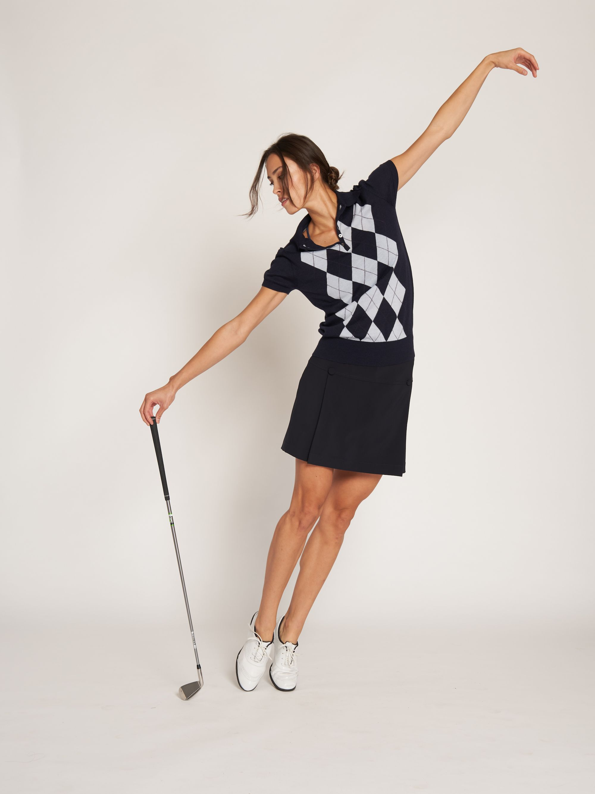 L Etoile Sport Gold Outfit The Argyle Polo And Golf Skort Golffashion Golfgirls Golfstyle Letoilesport Golf Outfits Women Tennis Clothes Golf Outfit
