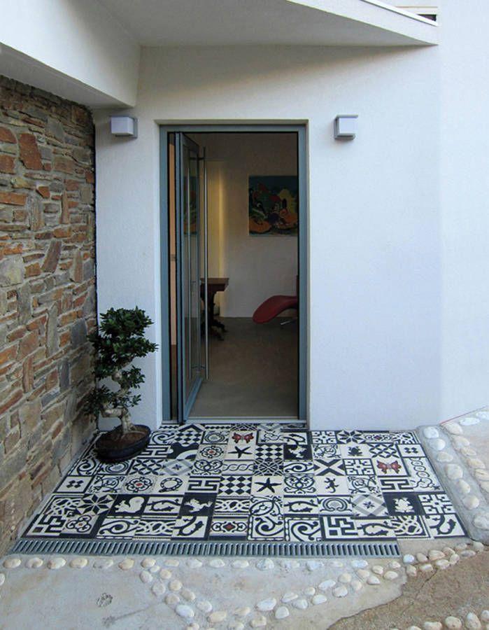 Bichonner son entrée extérieure en mixant les revêtements de sol