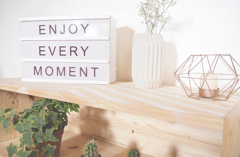 les 25 meilleures id es de la cat gorie boite lumineuse sur pinterest bo te lumineuse message. Black Bedroom Furniture Sets. Home Design Ideas