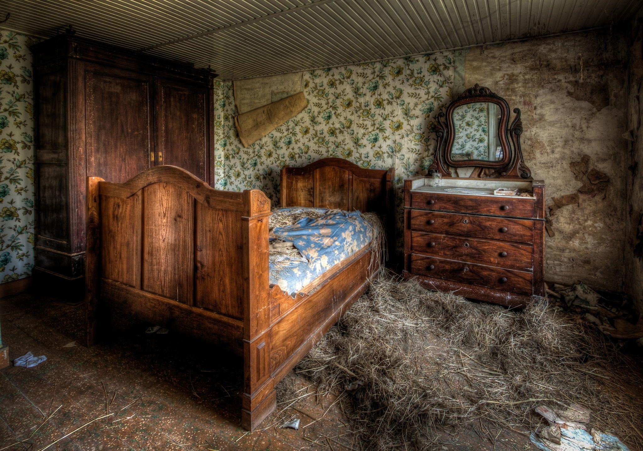 The Tree Mansion Abandoned Farmhouse Urbex