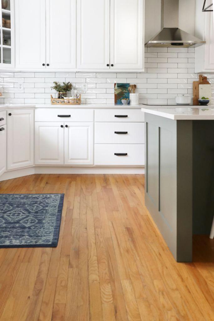 Best White Kitchen Reveal Hanstone Quartz In Montauk Chantilly 640 x 480