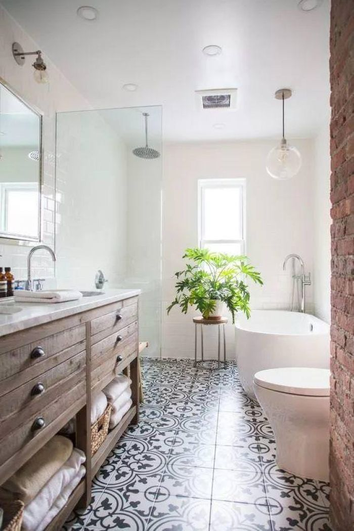 25 Gorgeous bathrooms with patterned tile | Bathroom tiling ...