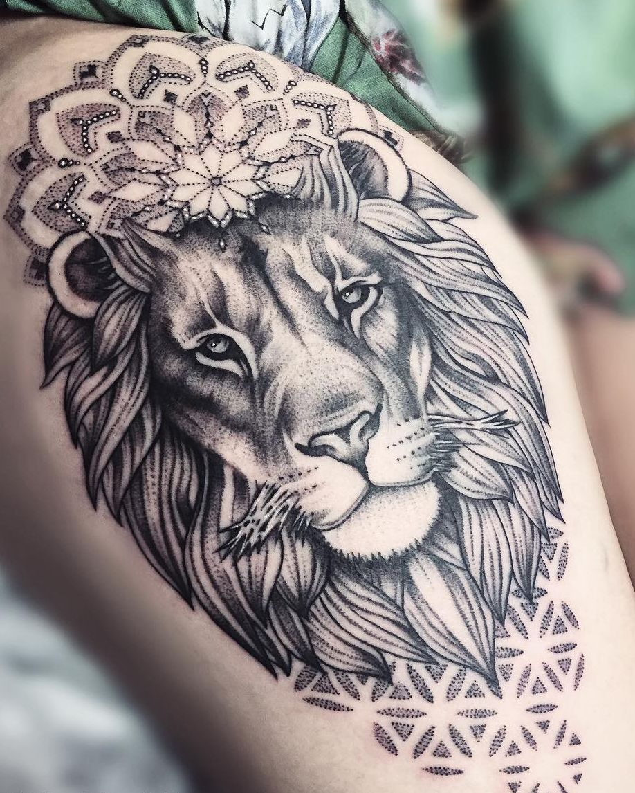 Lion Mandala Tattoo C Tattoo Artist Mil Et Une Lion Mandala Hip Tattoo Tattoos
