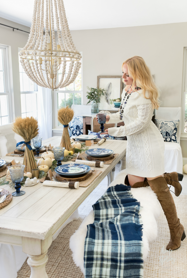 Casual Blue And White Thanksgiving Table Thanksgiving T