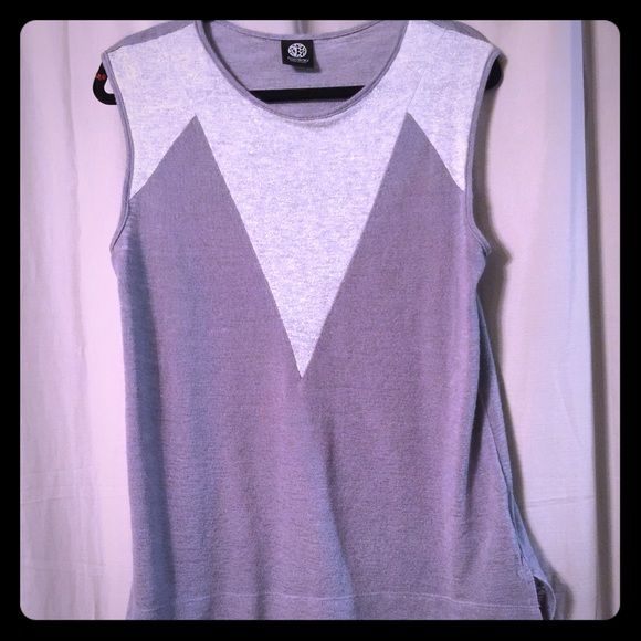 Hi lo gray sleeveless sweater Worn once a soft and beautiful sweater. Perfect for spring or fall bobeau Tops Muscle Tees
