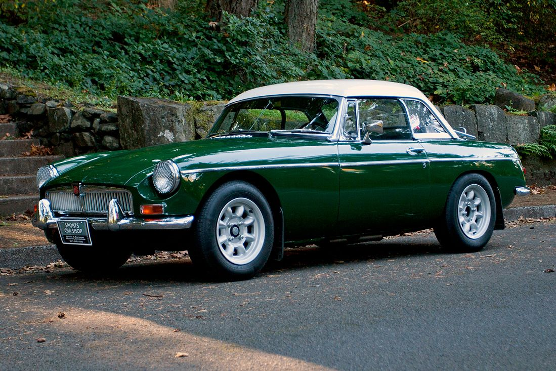 1966 MGB with Hardtop Vintage sports cars, British