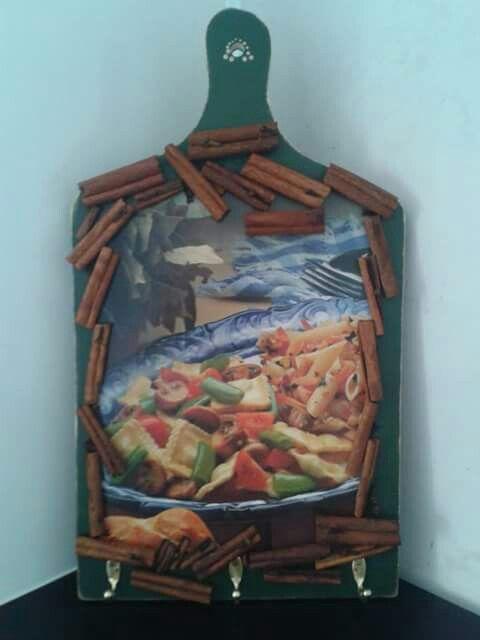 Tabua de Carne Decorada por Gislaine Lenk de  Lima.