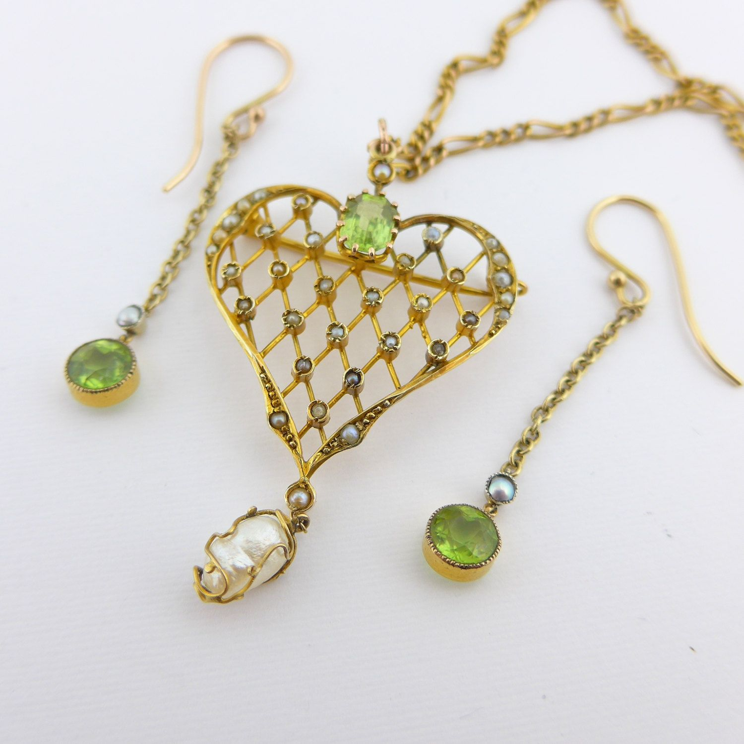 Antique art nouveau gold pearl u peridot heart pendant brooch and